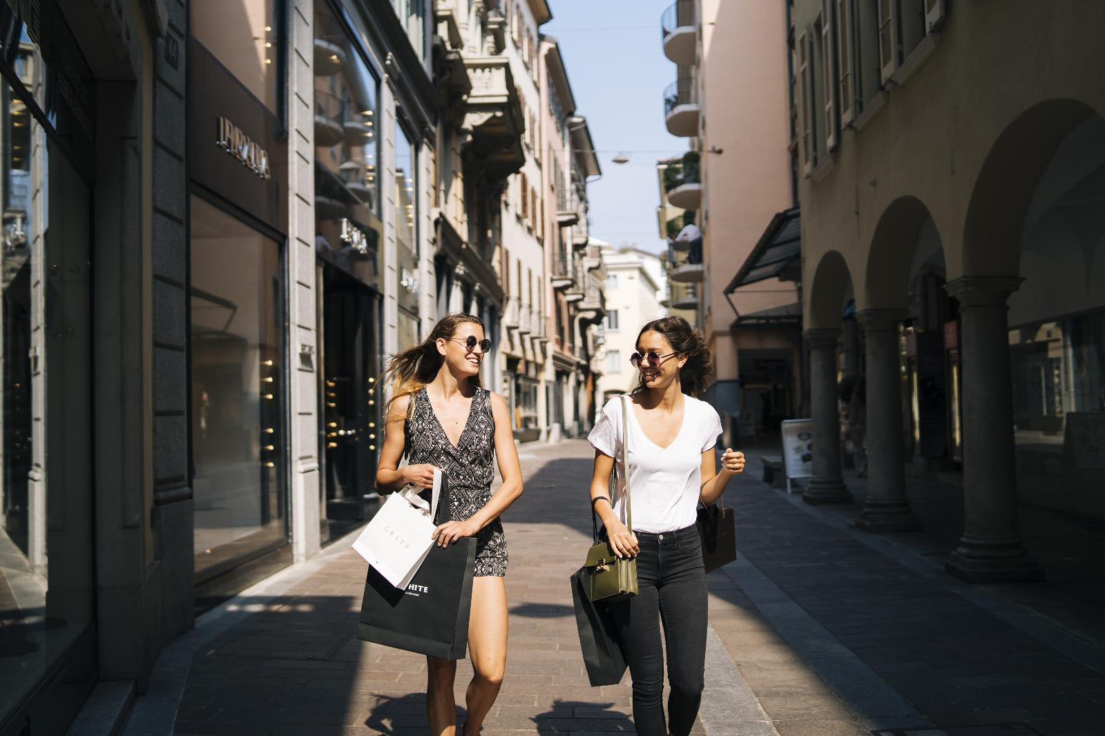 Shopping and lifestyle, Shopping in the city center